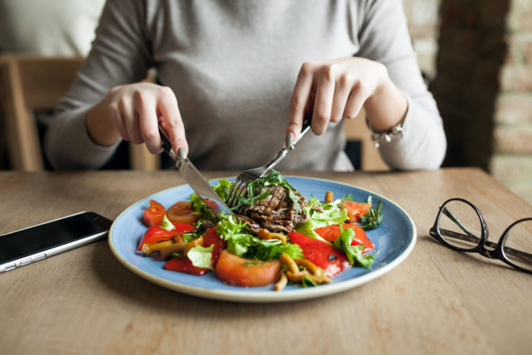 Surprising Benefits of Mindful Eating (plus tips to get you started)